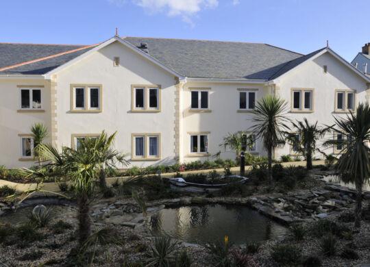 Roseland-Court-palm-garden-Feb-08